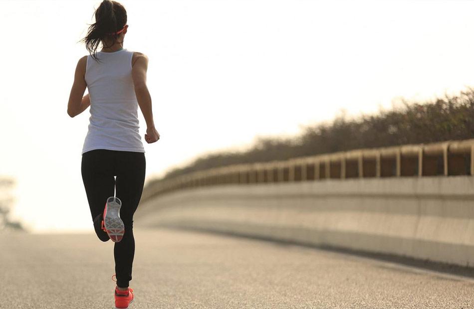 تحذير العودة للرياضة قبل التعافي التام من ;كورونا; يؤدي لمخاطر شديدة
