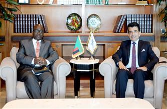المدير العام للإيسيسكو يلتقي القائم بأعمال جمهورية زامبيا في الرباط