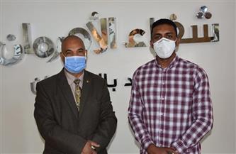 نائب رئيس جامعة الأزهر بقنا يزور مستشفى الأورام بالأقصر