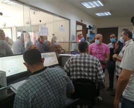 رئيس مدينة كفر الدوار يتابع تطبيق منظومة التراخيص الجديدة | صور