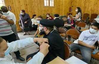 تطعيم عدد من الأساقفة والقساوسة والرهبان بكنائس المنصورة بلقاح كورونا | صور
