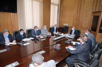 وزير النقل يتابع خطة تطوير السكة الحديد داخل ميناء السخنة ومحطات خط «القاهرة / السويس»