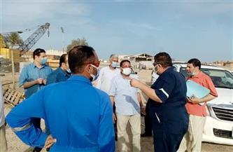 رئيس مدينة رأس غارب يترأس لجنة للمرور على الموانئ والمنشآت الحيوية | صور