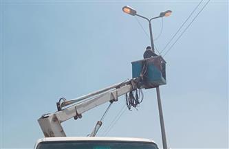 صيانة 34  كشافًا خلال حملة لصيانة الكهرباء فى مركز ايتاى البارود بالبحيرة