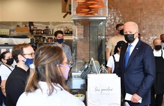بايدن يزور مطعمًا مكسيكيًا في واشنطن للترويج لخطته الاقتصادية