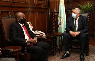 وزير الزراعة يبحث مع وزير الثروة الحيوانية السوداني سبل تعزيز التعاون