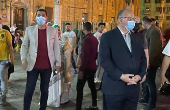 محافظ القاهرة يتابع الالتزام بمواعيد الغلق في محيط الأزهر والحسين |صور