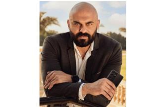 """أحمد صلاح حسني يكتشف مكان التجارب البشرية في """"كوفيد٢٥"""""""
