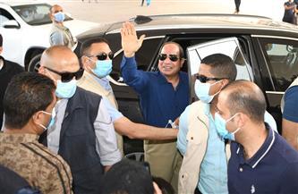 خلال جولته بشرق القاهرة.. الرئيس السيسي يتوقف للحديث مع عدد من المواطنين| فيديو