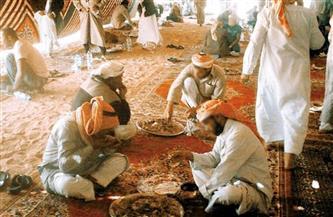 تعرف على «طبلية المسافر».. أشهر عادات «الكرم» لبدو سيناء