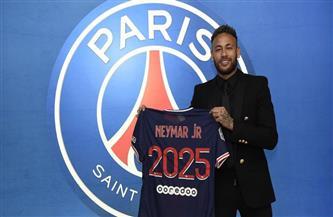 باريس سان جيرمان يعلن تجديد عقد «نيمار»