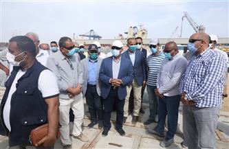 تفاصيل جولة وزير النقل بعدد من المشروعات الجاري تنفيذها بميناء الإسكندرية | صور