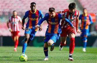 برشلونة يتعادل مع أتليتكو ويقدم هدية لريال مدريد بالدورى الإسبانى