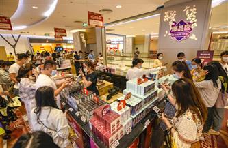 عيد العمال في الصين.. عطلة قصيرة تظهر حيوية وسحر سوق كبيرة
