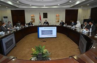 وزراء الإسكان والتنمية المحلية والنقل يناقشون مشروع اللائحة التنفيذية لقانون تنظيم الإعلانات على الطرق العامة