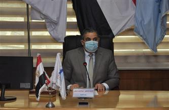 رئيس جامعة كفر الشيخ يترأس اجتماع مجلس العمداء | صور