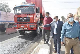 محافظ أسيوط يتفقد أعمال رصف الطريق الدائري وتطوير بعض الشوارع بحي غرب | صور