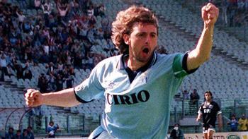 الاتحاد الإيطالي يرفع العقوبة الموقعة على اللاعب السابق «سينيوري»