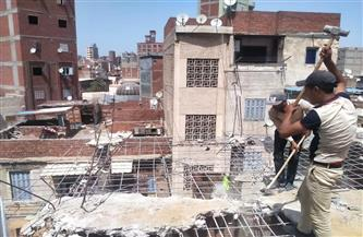 وقف أعمال بناء مخالف وإزالتها في الحال بـ «غيط العنب» غرب الإسكندرية | صور