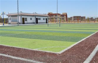 يستفيد بهم إسكان محدودي الدخل والشباب: تسليم ملعبي كرة قدم خماسي بأسيوط الجديدة| صور