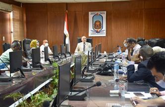 رئيس جامعة الأقصر يناقش استعدادات امتحانات نهاية العام | صور