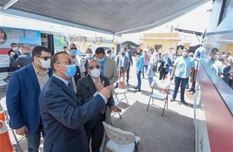 محافظ الإسكندرية يطلق بدء تشغيل سيارات خدمة العملاء المتنقلة لشركة مياه الشرب |صور