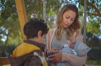 """منة شلبي تحقق حلم الأمومة بشكل مختلف في """"ليه لأ 2""""   صور"""