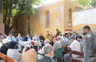"""وفد """"التخطيط"""" يعقد جلسات تشاورية مع أهالي """"ساحل سليم"""" لتحسين الخدمات المصرفية"""
