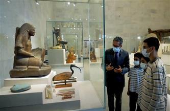 جولة لوزير السياحة والآثار مع عدد من طلاب المدارس بالمتحف القومي للحضارة المصرية | فيديو
