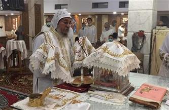 الأنبا يواقيم يترأس قداس عيد العنصرة بكنيسة العذراء مريم في الأقصر