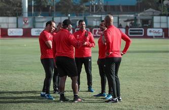 «موسيماني» يجتمع بمدير الكرة وجهازه المعاون في الأهلي