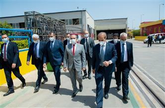 """""""وزير الإنتاج الحربي"""" يتفقد أحد مصانع القطاع الخاص لبحث سبل التعاون"""