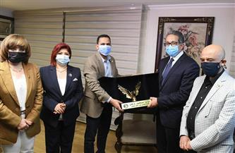 رئيس حزب مستقبل وطن يكرم وزير السياحة والآثار