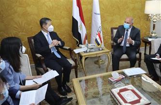 تفاصيل لقاء وزير النقل بالسفير الصيني في القاهرة