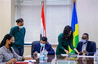 """سفير مصر في كيجالي يوقع على مذكرة تفاهم لإنشاء """"مركز مجدي يعقوب رواندا""""   صور"""