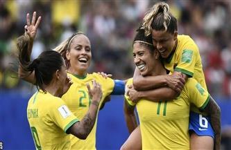 """لاعبات البرازيل يرفعن لافتة """"لا للتحرش"""" بعد أيام من إيقاف رئيس اتحاد الكرة"""