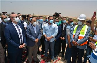 وزير التنمية المحلية ومحافظ بني سويف يتفقدان المدفن الصحي بسنور   صور