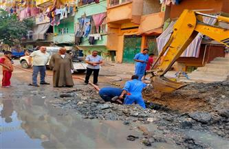 إصلاح كسر ماسورة مياه رئيسية بمنطقة نجع العرب غرب الإسكندرية | صور