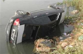 مصرع سيدة غرقًا وإصابة ابنتها في حادث انقلاب سيارة بترعة المنصورية