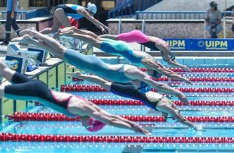 الفرنسية كلوفيل تتصدر منافسات السباحة في نهائي بطولة العالم للخماسي الحديث