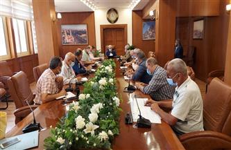 محافظ بورسعيد يتابع سير العمل بالخدمات المقدمة للمواطنين بمدينة بورفؤاد وأحياء المحافظة |صور