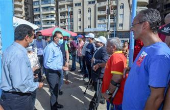 محافظ الإسكندرية في جولة مفاجئة بعدد من الشواطئ لمتابعة الالتزام بالإجراءات الاحترازية |صور
