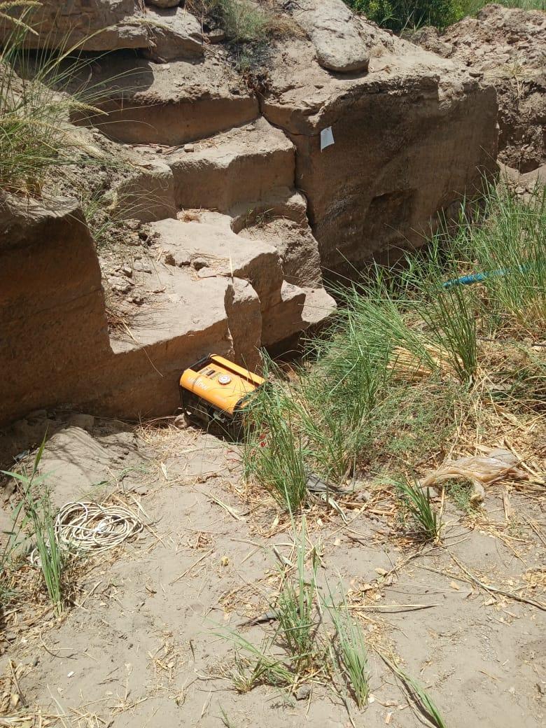 التنقيب عن الآثار بمنطقة جبل السلسلة الأثرية بأسوان