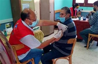 تطعيم المشاركين في أعمال الثانوية الأزهرية بالبحر الأحمر بلقاح كورونا| صور