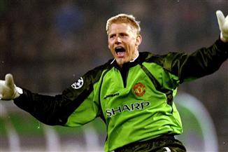 بيتر شمايكل ينتقد قرار استئناف مباراة الدنمارك وفنلندا رغم انهيار إريكسن