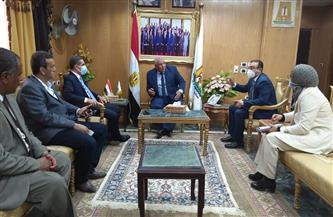 وزير التنمية المحلية يشهد توقيع بروتوكول تعاون بين محافظي الغربية والوادي الجديد  صور