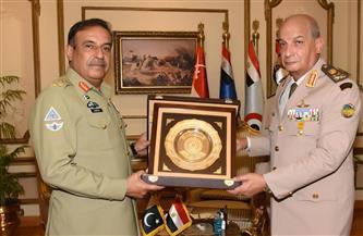 وزير الدفاع يلتقي رئيس هيئة الأركان المشتركة الباكستانية
