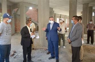 محافظ سوهاج يتفقد إنشاء السوق الحضري الجديد في مدينة ناصر  صور