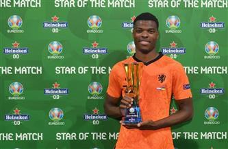 «دومفريس» يفوز بجائزة أفضل لاعب فى مباراة هولندا وأوكرانيا