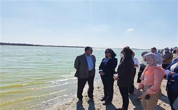 نائب وزير السياحة تبحث استغلال المياه الكبريتية لبحيرة نبع الحمرا وفرص الاستثمار السياحي